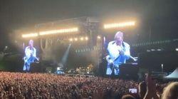 Elton John perde la voce e piange sul palco: