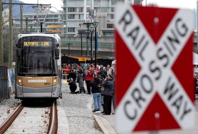 Un train de la ligne olympique Bombardier à Vancouver, en Colombie-Britannique (photo