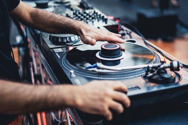El drama viral de un DJ en una boda en Guadalajara: