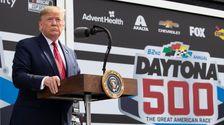 Ατού Παίρνει Daytona 500 Warmup Lap Στην Προεδρική Λιμουζίνα