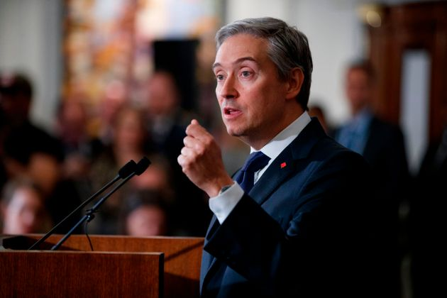 Foreign Affairs Francois-Philippe Champagne in London, on Jan. 16,
