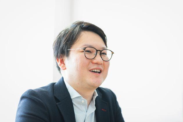 阿萬和弘(あまん・かずひろ)さん(29歳):2017年、函館支社赴任中にステージ1の甲状腺がんが判明し手術を受けた。コーポレートデベロップメント部主任