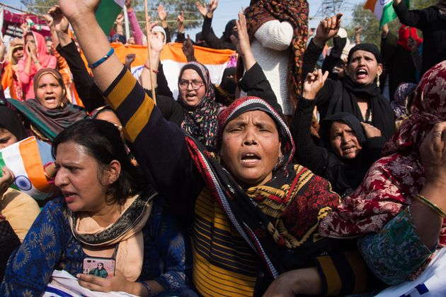 Women of Shaheen Bagh march towards Home Ministry to meet Home Minister Amit Shah over new citizenship...