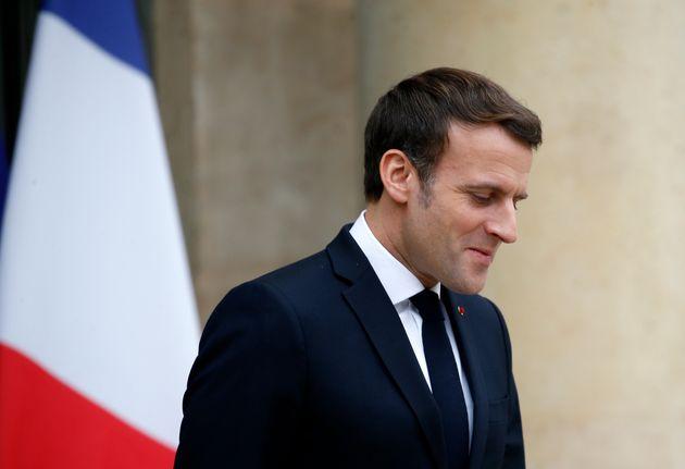 Emmanuel Macron sur le perron de l'Élysée le 14