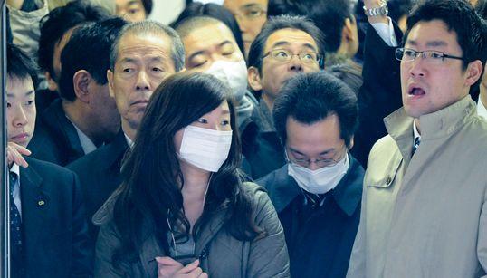 新型コロナウイルスの感染予防にも...人でぎっしりの満員電車を避けるために使える方法