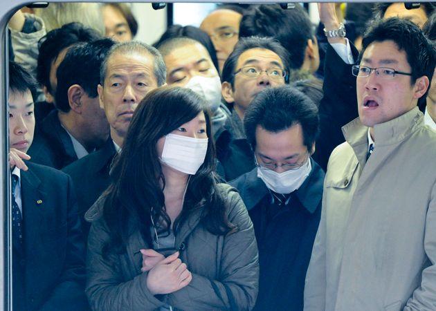 東京の満員電車(資料写真)