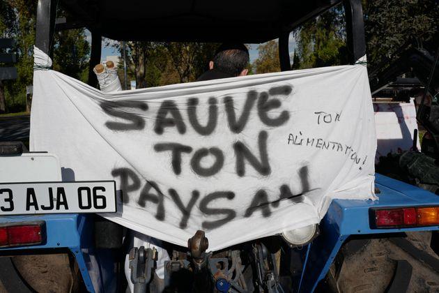 Une banderole déployée lors d'une manifestation contre l'agribashing à Nice en novembre