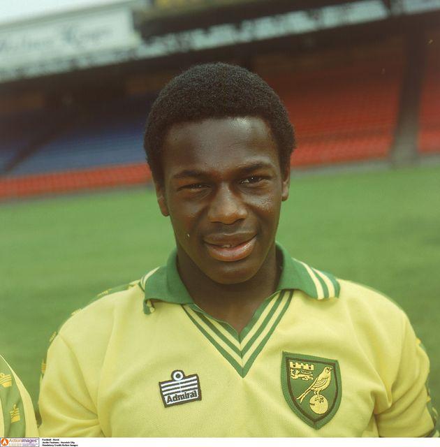 Justin Fashanu, quando jogava para o time Norwich City, na