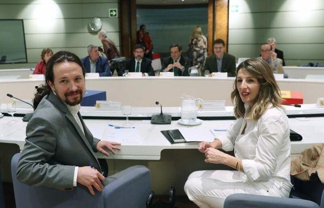 La ministra de Trabajo, Migraciones y Seguridad Social, Yolanda Díaz, y el vicepresidente segundo...