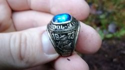47년 전 잃어버린 반지를 지구 반대편 숲 속에서