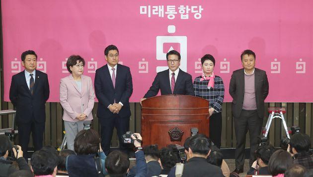 정병국 미래통합당 의원이 18일 오전 서울 여의도 국회에서 열린 의원총회에서 발언을 하고