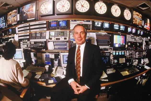 (자료사진) 블룸버그LP 공동창업자이자 CEO인 마이클 블룸버그가 뉴욕 본사에서 포즈를 취하고 있다. 뉴욕, 미국. 1997년