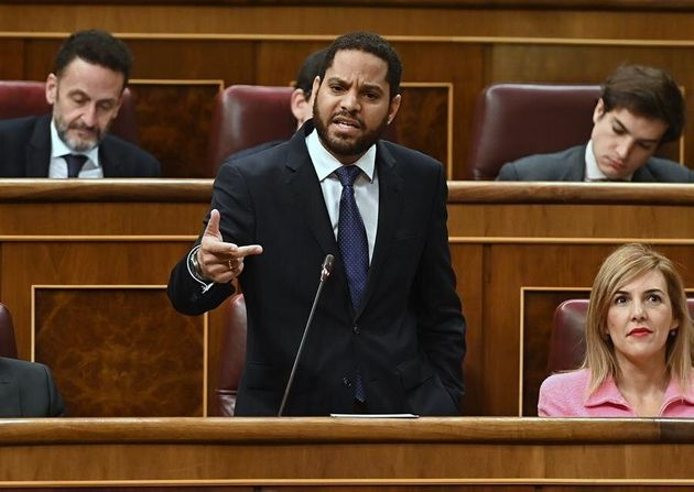 El diputado de Vox, Ignacio Garriga interviene durante la sesión de control al Gobierno en el...