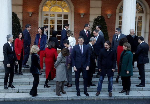 El Gobierno en su primer encuentro en el Palacio de la Moncloa, en