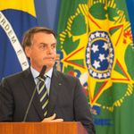 É mais que baixaria: Bolsonaro quebra decoro ao atacar jornalista com ofensa
