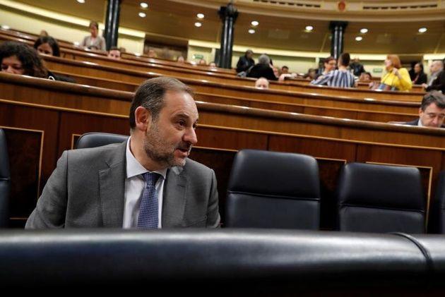 El ministro de Transporte y Movilidad, José Luis Ábalos, este miércoles durante...