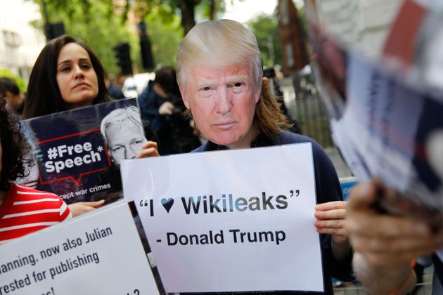 Wikileaks: Ο Τραμπ πρότεινε απαλλαγή στον Ασάνζ αν έβγαζε λάδι τη