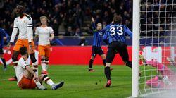 El Valencia, con pie y medio fuera de la Champions tras caer goleado 4-1 ante el