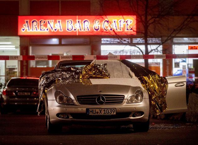 Nεκροί και τραυματίες σε ένοπλες επιθέσεις σε μπαρ στη
