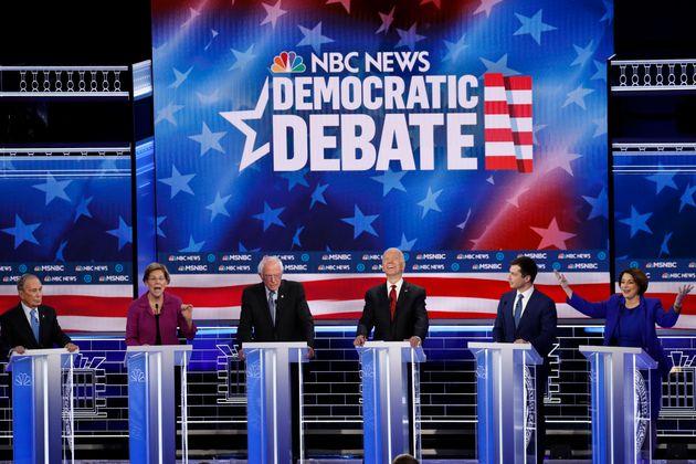 Al dibattito dem il bersaglio grosso è Bloomberg, accusato d