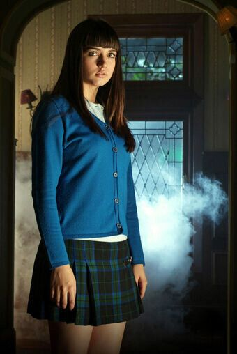 Como Carolina Leal en 'El internado' (2007-2010)