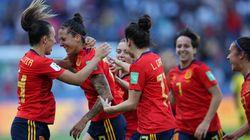 Jogadoras de futebol da Espanha assinam acordo coletivo sobre salário e condições de