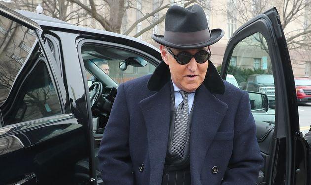 Roger Stone à son arrivée au tribunal pour entendre le