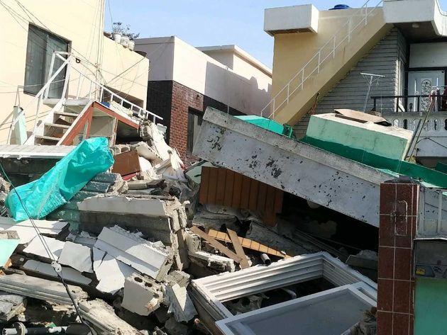 21일 오전 11시 4분쯤 부산 연제구의 한 단독주택 철거 현장에서 건물이 붕괴돼 공사 인부 5명이