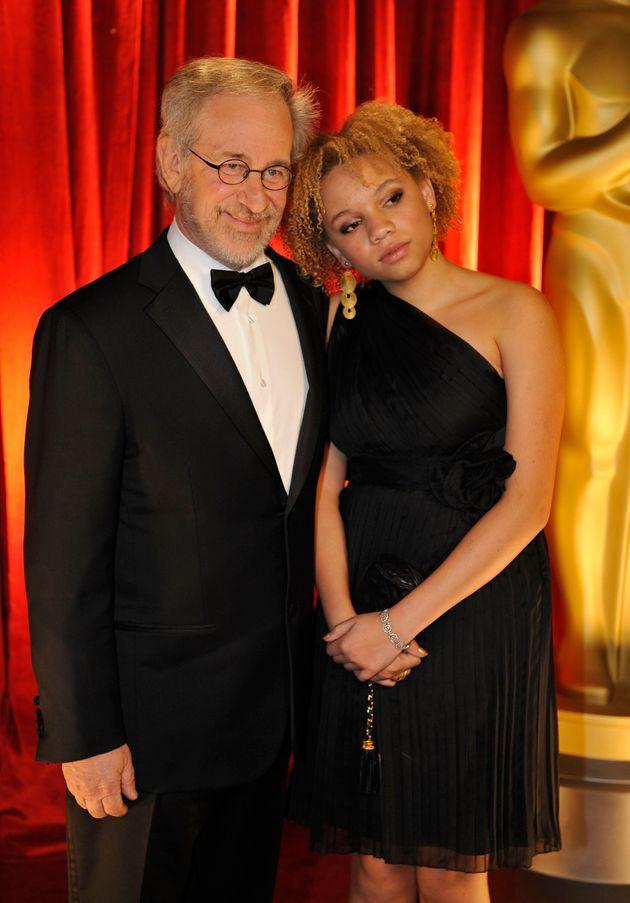 스티븐 스필퍼그와 딸 미카엘라