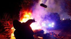 Ουκρανία: Διαδηλωτές πετροβόλησαν λεωφορεία που μετέφεραν άτομα από τη