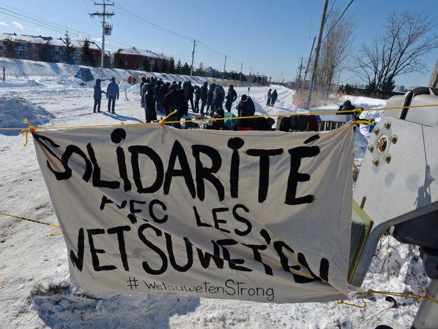 Jeudi, près d'une cinquantaine de manifestants bloquaient la voie