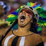Crítica das ruas invade a avenida e Carnaval será o mais político de todos os