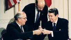 Η άτυπη «συμφωνία» Ρίγκαν και Γκορμπατσόφ για συμμαχία ΗΠΑ- Σοβιετικής Ένωσης σε περίπτωση εξωγήινης