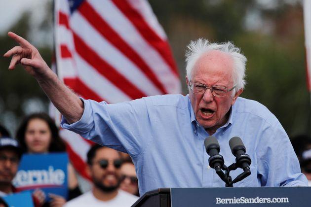 Bernie Sanders, ici le 21 février en Californie, a dénoncé l'ingérence de...