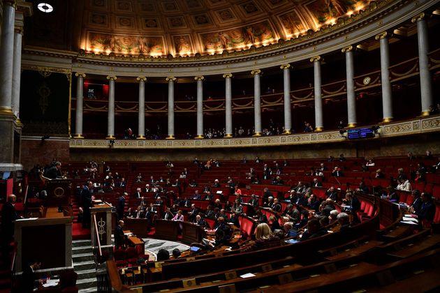 Ce samedi 22 février, l'Assemblée nationale a voté un premier amendement depuis le début des débats sur...