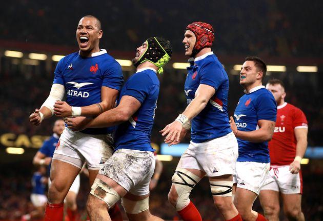 Le XV de France a réussi un exploit majeur en battant, à Cardiff, le pays de Galles dans...