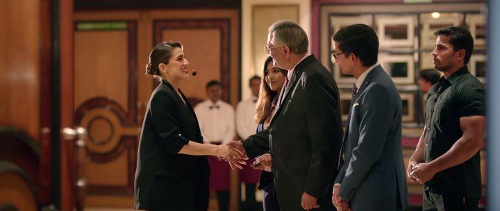 Sara Ali Khan in a scene from Love Aaj Kal.