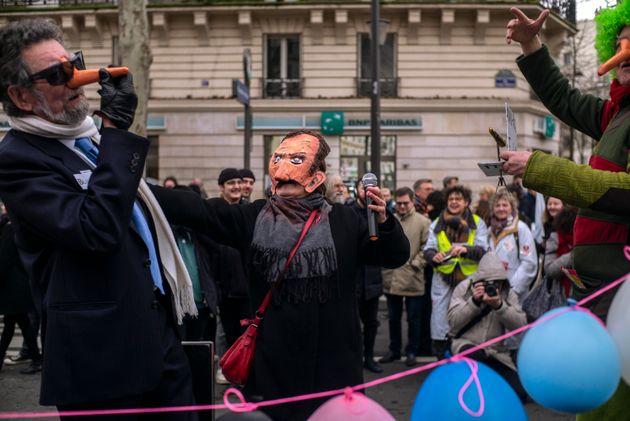 Διαδηλωτές στο Παρίσι...