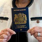 Voilà le nouveau passeport britannique post-Brexit (100% fabriqué dans l'Union