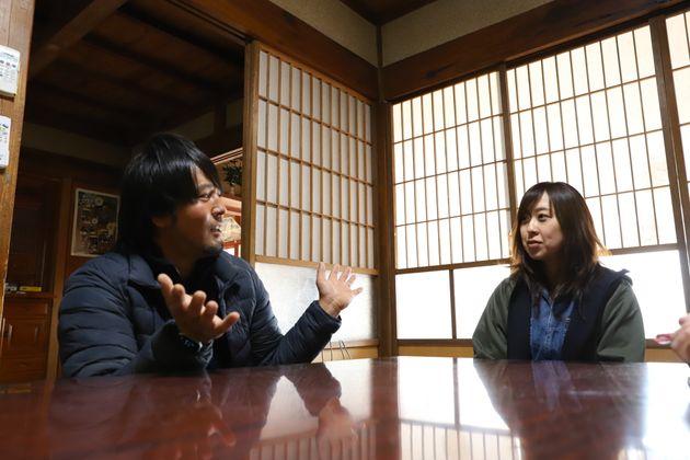 八代侑紀さん(左)と八代綾子さん(右)
