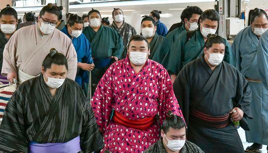 NEL MONDO - In Cina sei province abbassano l'allerta, a Wuhan smentito l'allentamento del blocco. Paura in Corea, in Iran 12
