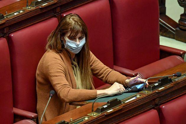 La prima deputata con la mascherina in aula: è Baldini di Fr