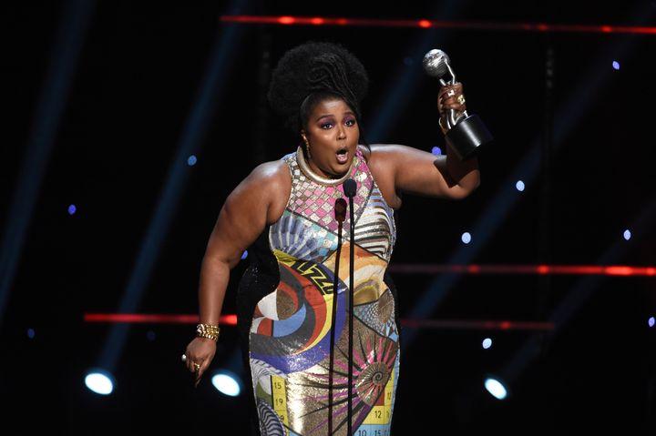 Η Lizzo στα NAACP Image Awards 2020.
