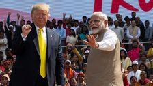 Ινδία Χαιρετίζει Ατού Με Το Θέαμα, Τον Έπαινο Και Διαμαρτυρίες