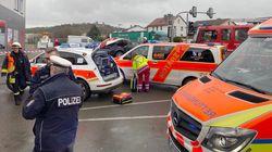 Allemagne: une voiture fonce dans un