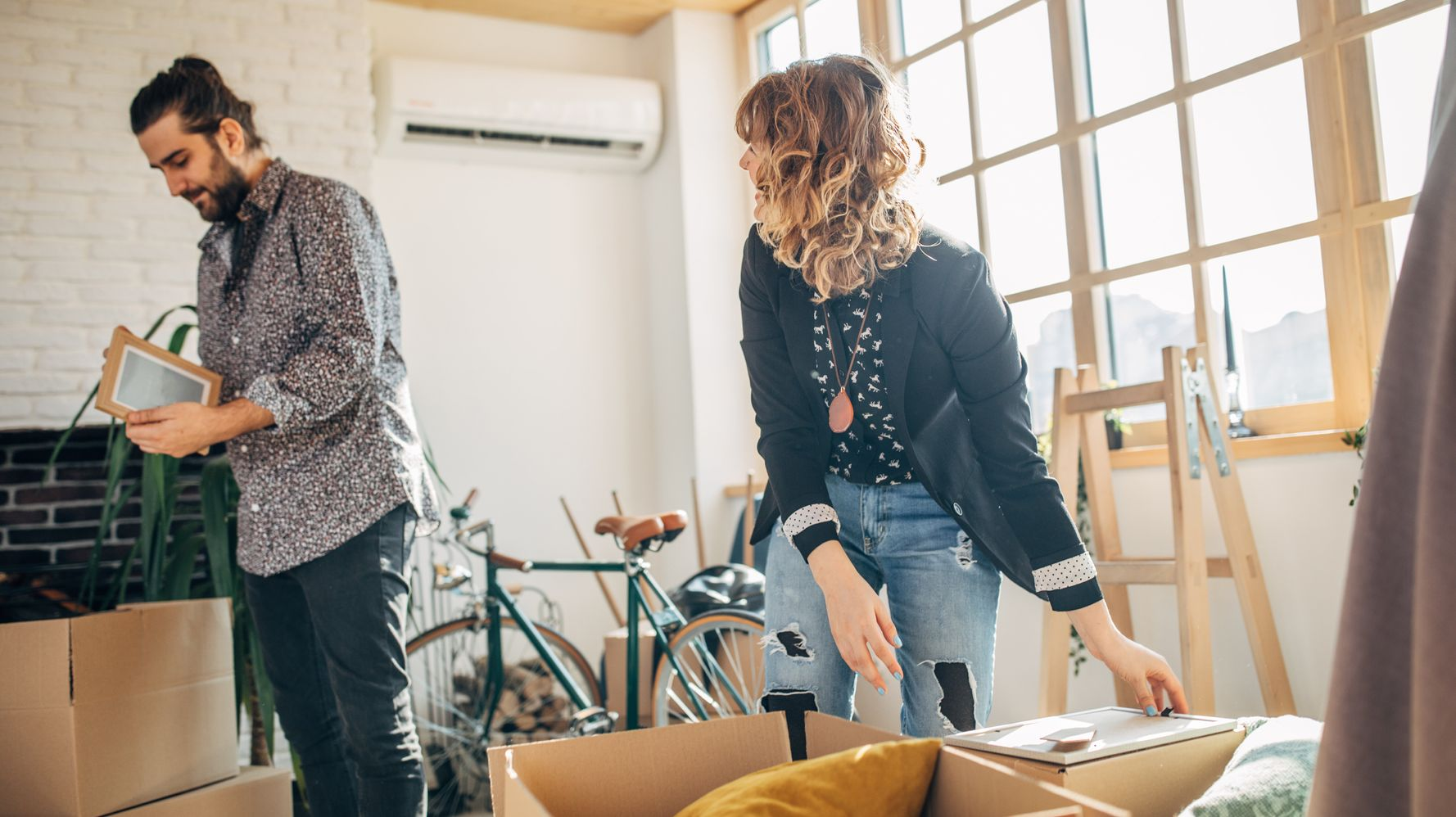 4 Signs You Need To Un-Move In With Your Partner