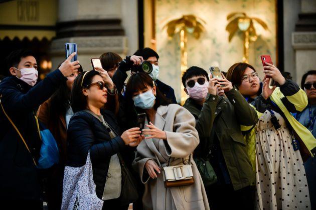 Τουρίστες από ασιατική...