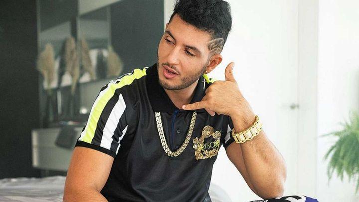 Omar Montes en su videoclip 'Alocao'.