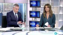 Momento insólito en 'Informativos Telecinco' por el
