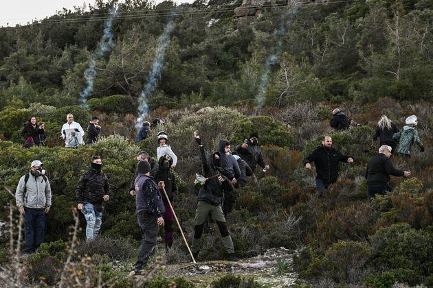 Διαδηλωτές πήραν τα βουνά...